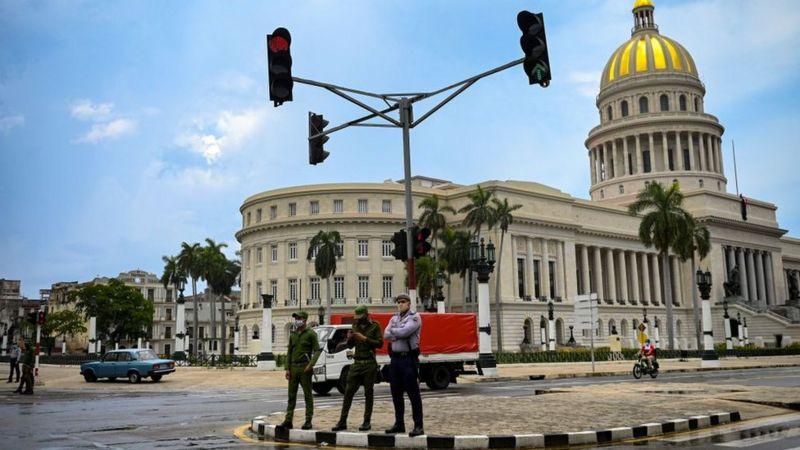 """Protestas en Cuba: cómo vivió la isla """"el día después"""" de las mayores manifestaciones en más de medio siglo"""
